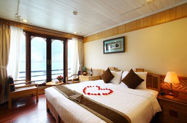 Excellent Choice: Pelican Cruise + Hanoi Pearl Hotel