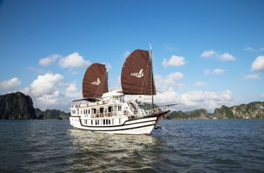Lafairy Sails Halong Bay
