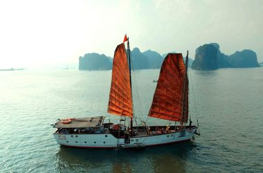 Nang Tien Day Cruise Halong Bay