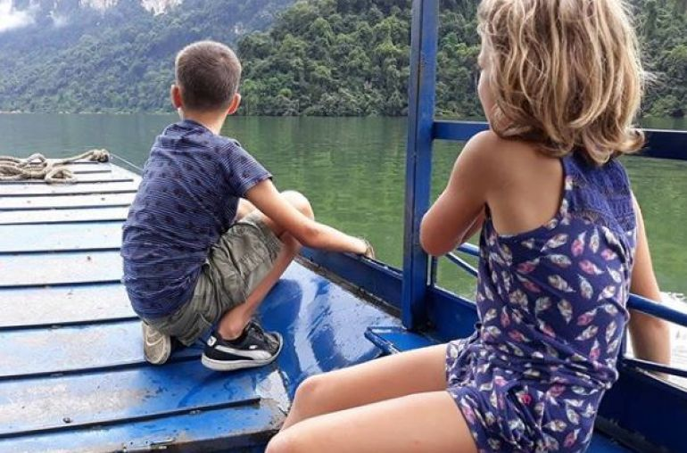 Children-boating-through-Ba-Be-National-Park