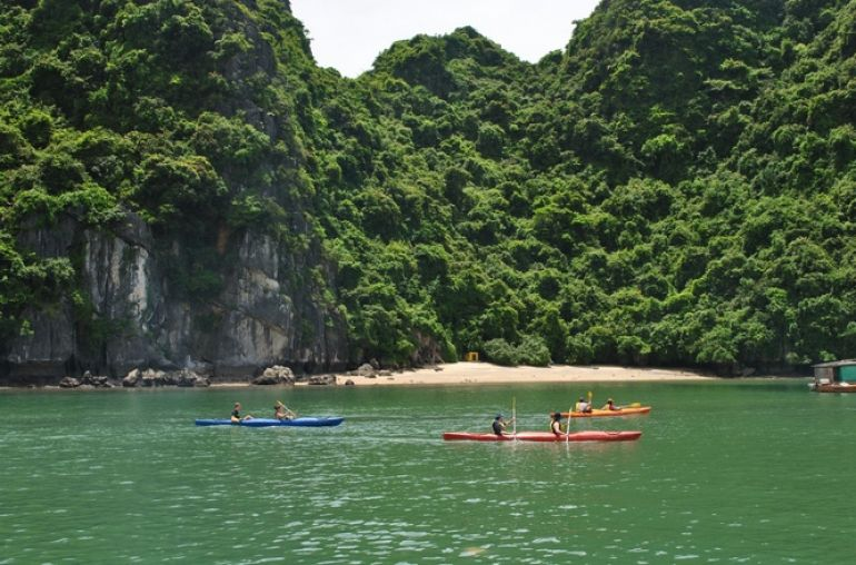 Lan-Ha-Bay-Kayaking