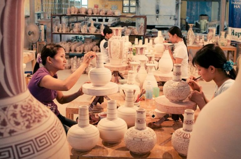 Bat-Trang-pottery-village-04