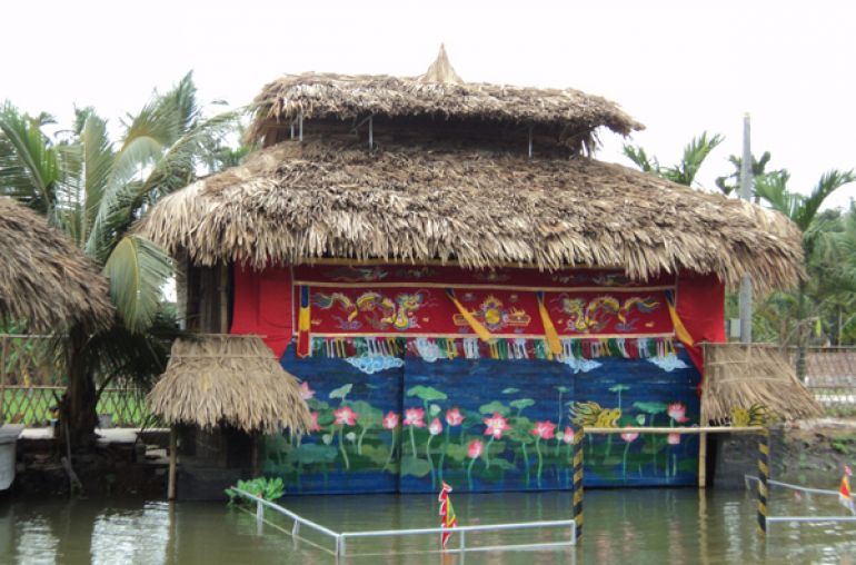 Water puppet show