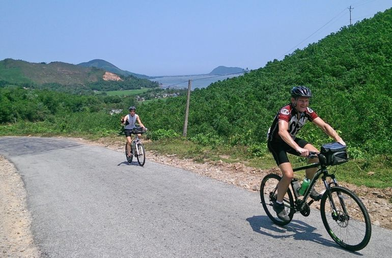 Cycling-along-Vietnam-Coast