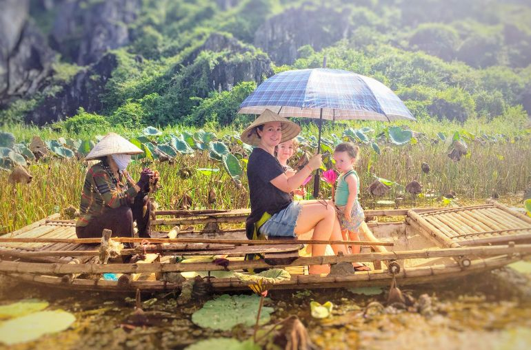 Boat trip in Trang An