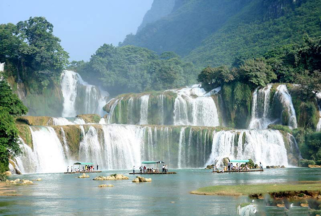 Ban Gioc waterfall and Cao Bang 3 Days Tour