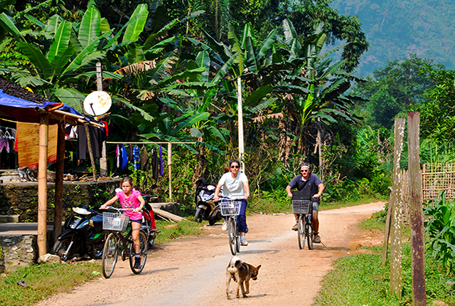 Bac Son valley to Ba Be Lake cycling tour