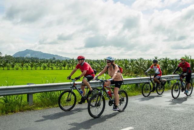 Cuc Phuong National Park cycling tour