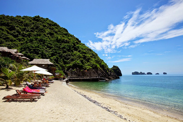 Ba Trai Dao beach the most 7 charming beaches of Ha Long